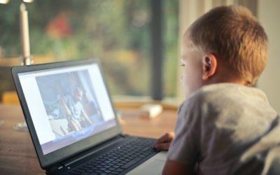 Un parco giochi globale: la nuova infanzia